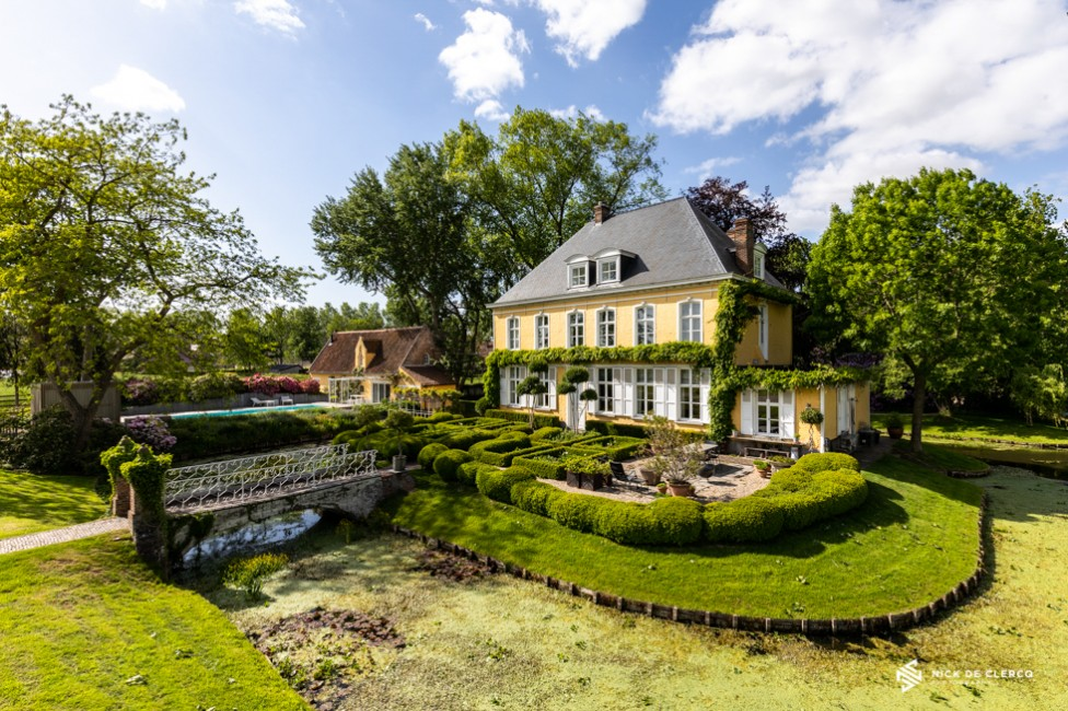 Photo of a mansion in Belgium by Nova Scotia Real Estate photographer, Nick De Clercq